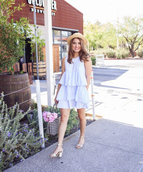 Lately, I've been loving to wear a pop of color for summer! In this post, I'm showing you how to wear the aqua blue color.